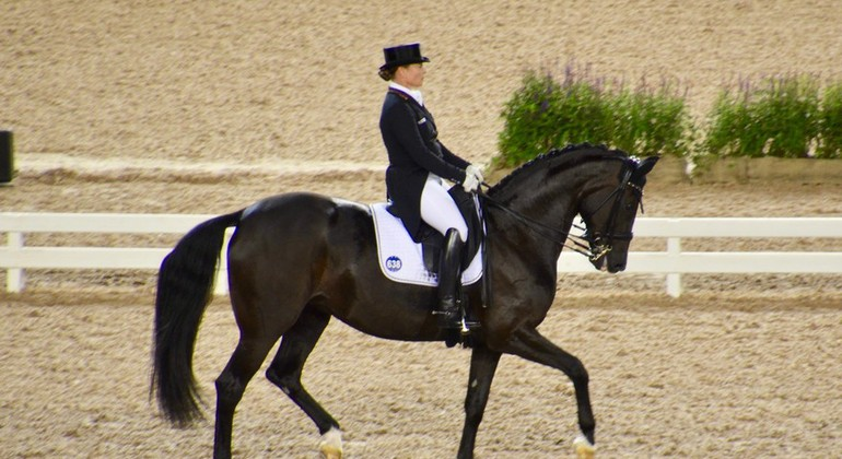Finale de Paris - Surprise dans le GP : Laura Graves devant Isabell Werth